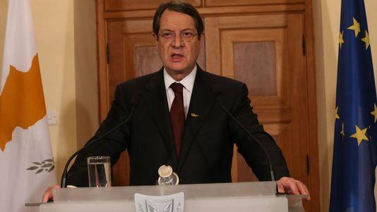 pour - Chypre : report du débat parlementaire sur le plan d'aide Nicos-Anastasiades