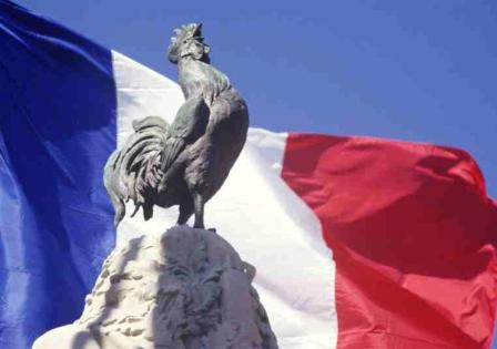 Le patriotisme face au nationalisme et aux communautarismes