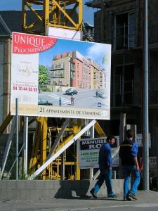 La loi SRU fait payer une taxe cachée à tous les acheteurs dans l'immobilier neuf
