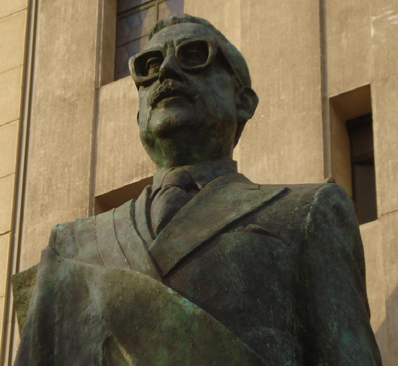 Estatua Allende - Richard Espinoza (CC BY-SA 3.0)