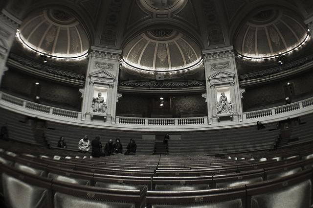 Amphitheatre d'université à La Sorbonne. La gestion du système éducatif est épinglé par la Cour des Comptes
