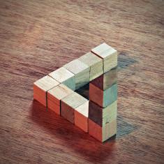 Penrose triangle CC gfpeck