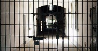Déficit de prisons, déficit de volonté [Replay]