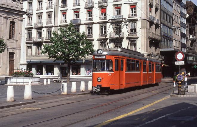 Tramway à Genève (Crédits Alain GAVILLET, licence Creative Commons)