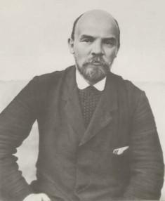 Lénine en 1914 (Image libre de droits, auteur inconnu).jpg