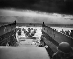 Débarquement en Normandie (Image libre de droits  Robert F. Sargent US Army)