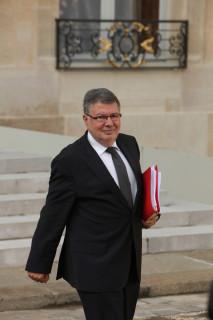 Alain Vidalies à l'issue d'un conseil des ministres (Crédits Philippe Grangeaud-Parti Socialiste, licence Creative Commons)