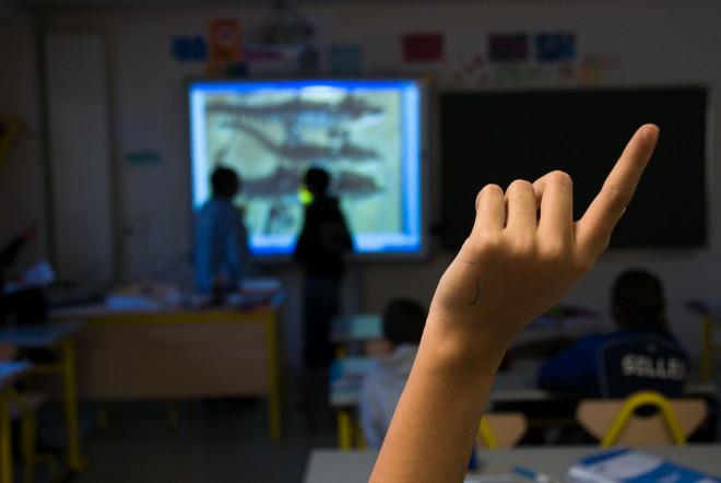 Élève dans une salle de classe (Crédits : CG94 photos, licence CC-BY-NC-ND 2.0), via Flickr.