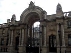 Entrée du Palais de l'Elysée (Crédits joffreylacour, licence Creative Commons)
