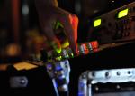 Sonorisation soirée (Crédits Cyril BRIGOULEIX, licence Creative Commons)