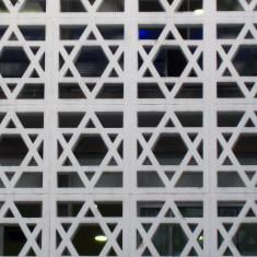 Facade de la synagogue de la rue de la roquette à Paris (crédits Groume, licence Creative Commons)