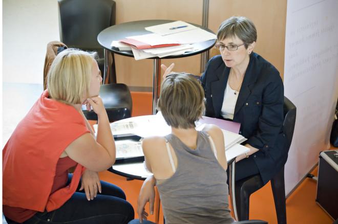 Femmes Entreprise entretien entrepreneurs (Crédits Troisième Histoire, licence Creative Commons)