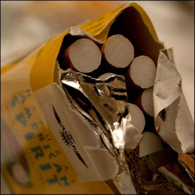 Paquet de cigarettes (Crédits : onkel_wart (thomas lieser), licence Creative Commons)