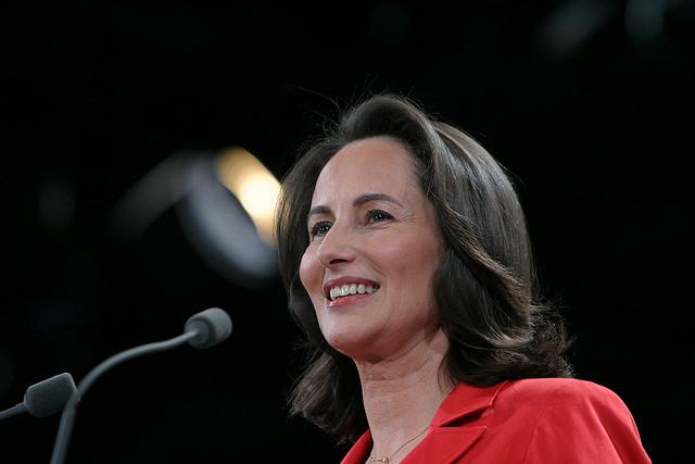 Ségolène Royal en meeting à Villepinte en 2007 (Crédits philippe grangeaud-Parti Socialiste licence Creative Commons)