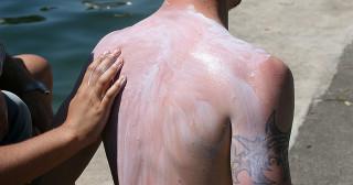 La grosse arnaque des crèmes solaires