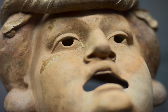 masque de théâtre credits Vollmer (licence creative commons)