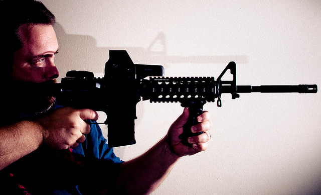 ar-15 credits Michael Gilliam (licence creative commons)