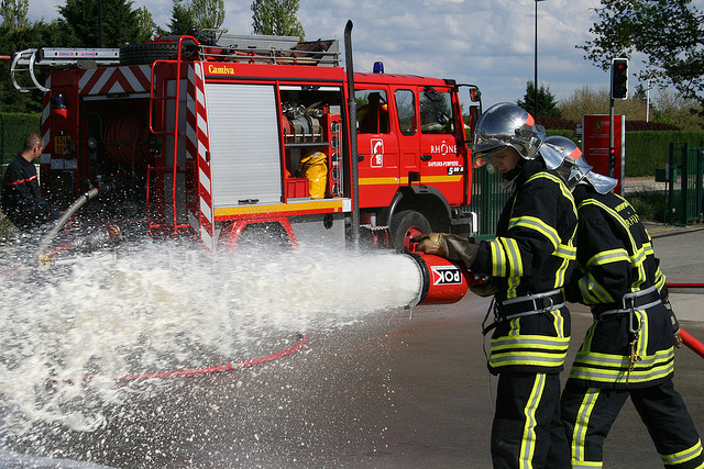 Pompiers Credit bmerie (Creative Commons)