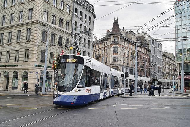 Tram de Genève TPG Credit Alain Gavillet (Creative Commons)