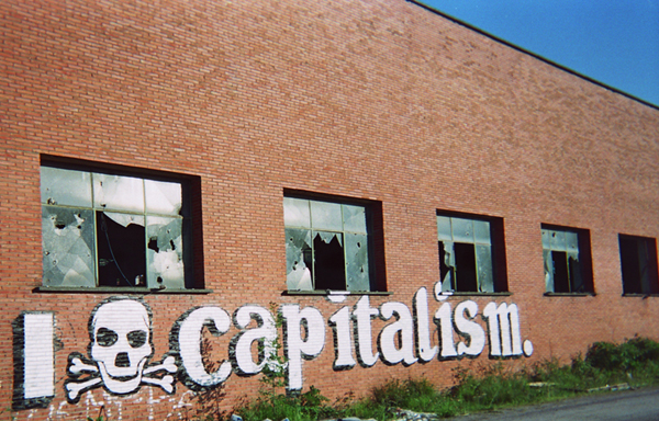 capitalisme credits rosaluxemburg (licence creative commons)