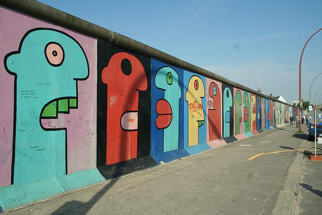 mur de berlin credits noud w (licence creative commons)