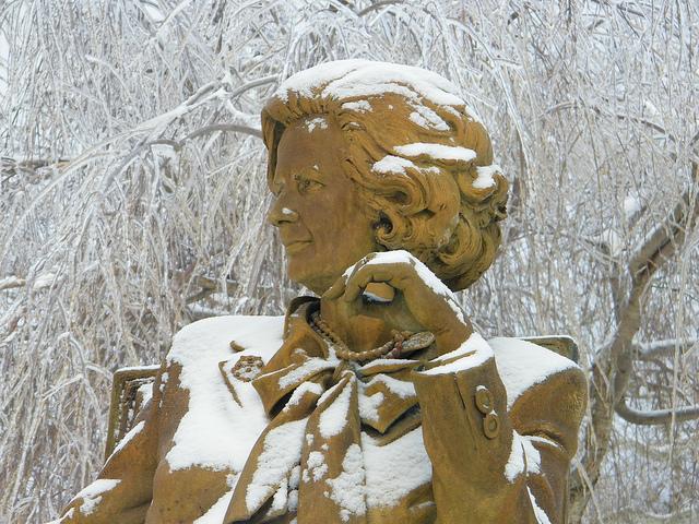 statue de M. Thatcher credits Corey Seeman (licence creative commons)