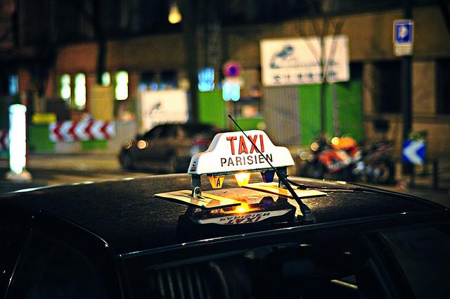 pourquoi les taxis parisiens sont hors de prix contrepoints. Black Bedroom Furniture Sets. Home Design Ideas
