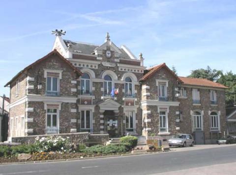 Mairie de Champlan (Credit Geneawiki)