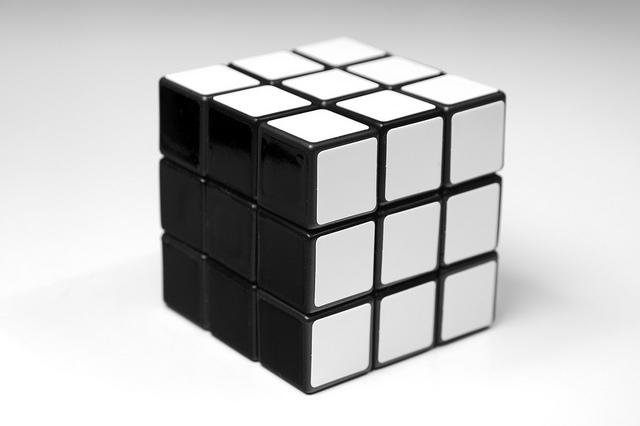 rubik's cube credits niko notibar (licence creative commons)