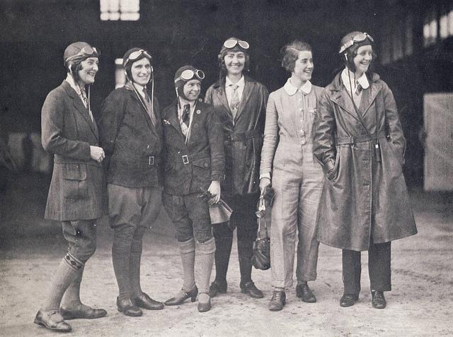 women pilots 1930 credits  aussie mobs (CC BY 2.0)