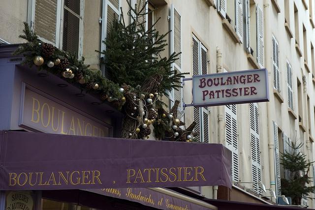 Boulangerie patisserie credits Asman et Lenoble (CC BY 2.0)