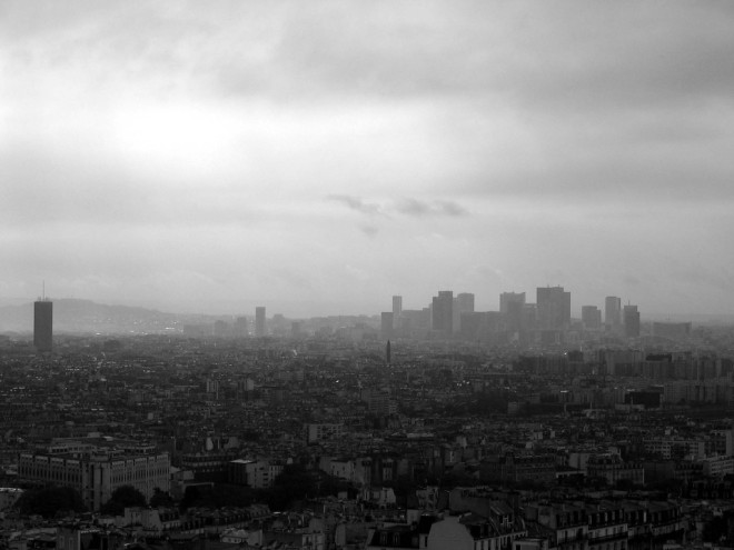 paris pollution - La Défense, Paris, from Montmartre, 2006 - greeddo - CC BY NC SA 2.0