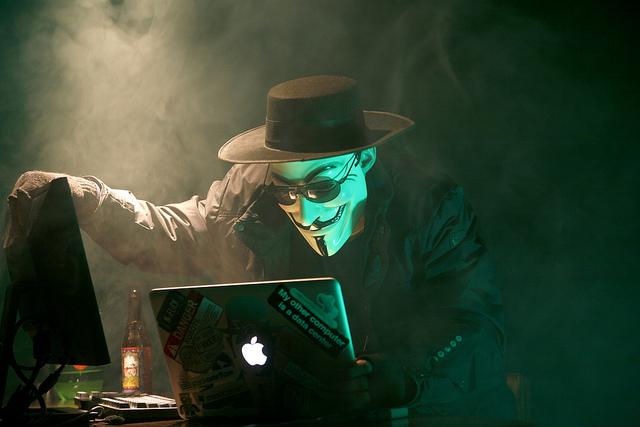 Anonymous Hacker - Credits Brian Klug (CC BY-NC 2.0)