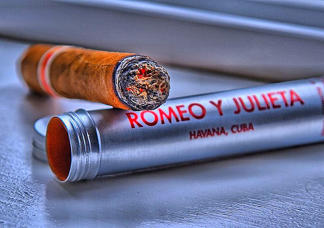 Romeo y Julieta credits Andrew E Larsen (CC BY-ND 2.0)