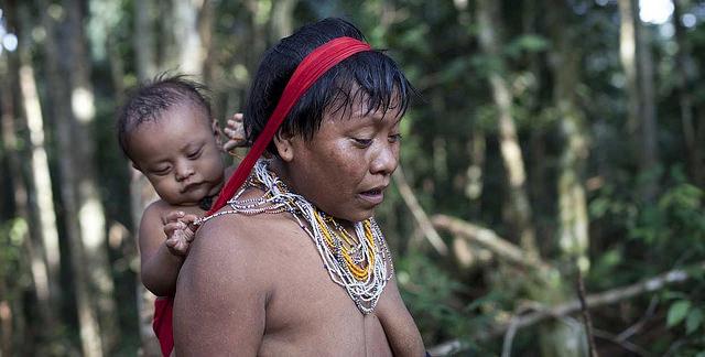 Yanomami mom and baby credits Sam Valadi  (CC BY 2.0)