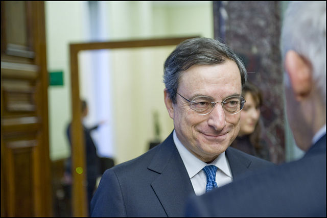 5:00 PM - Buzek meets Mario Draghi, the Governor of the Bank of Italy credits european parliament (CC BY-NC-ND 2.0)