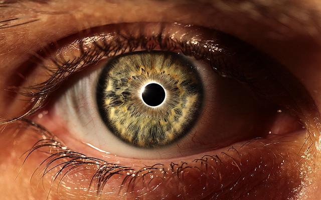 eclipsed eye credits Christian G. (CC BY-NC-SA 2.0)