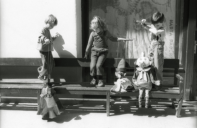 muppet show credits camil tulcan  (CC BY-NC-SA 2.0)