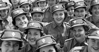 Femmes dans les armées : victimes d'un sexisme généralisé ?