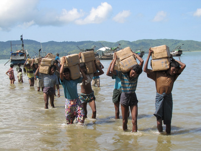 Myanmar/Burma: Little hope for Rohingya IDPs. Credits European Commission DG ECHO via Flickr ( CC BY-ND 2.0)