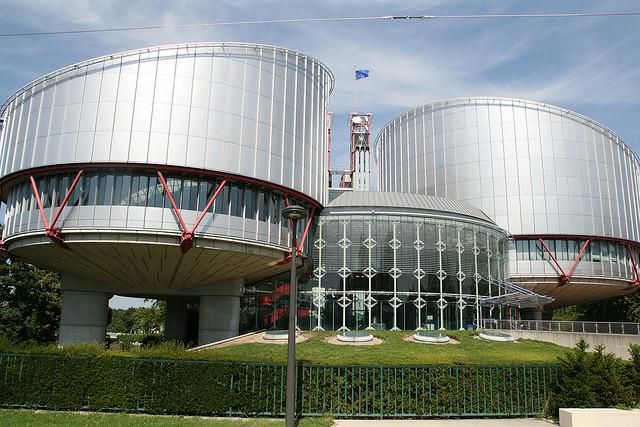 Cour européenne des droits de l'homme - Credits Damien (CC BY-NC-ND 2.0) )