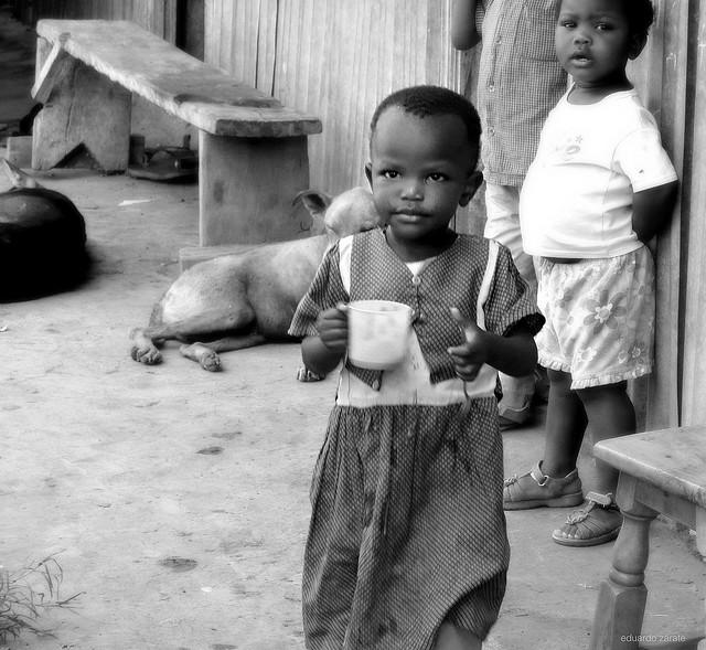 Eduardo Zarate - Petite fille au Kenya - CC BY ND 2.0