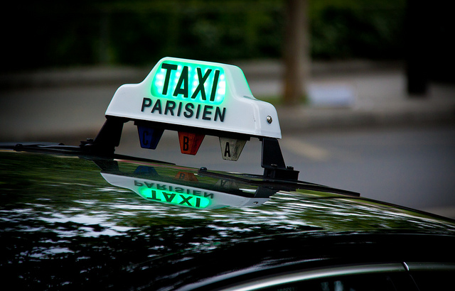 Taxi parisien - Chris Goldberg (CC BY-NC 2.0)