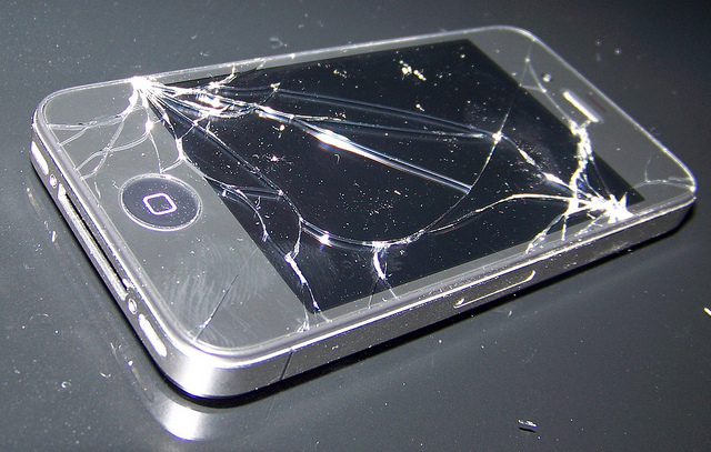 Broken iphone 4 credits David via Flickr ((CC BY-SA 2.0))