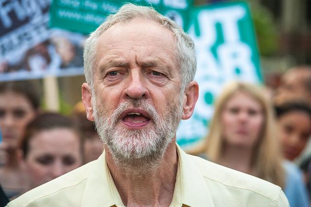 Protesting Osborne's Budget - Jeremy Corbyn - 2 credits Jason (CC BY-NC 2.0)