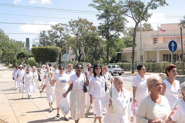 Dames en blanc Cuba (Mihai Romanciuc) (CC BY-NC 2.0)