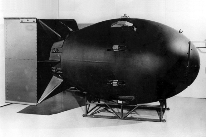 "Replica of the original ""Fat Man"" bomb, Domaine public"