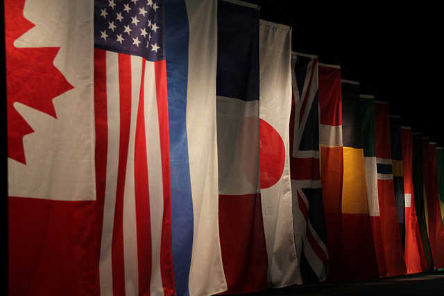 wall of nations-Bernard Walker(CC BY-NC 2.0)