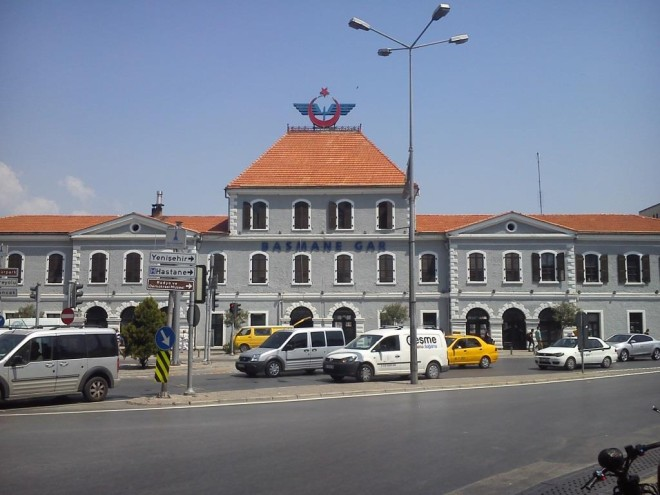 Gare pricipale d'Izmir-Crédit photo : Dimitri Anagnostaras