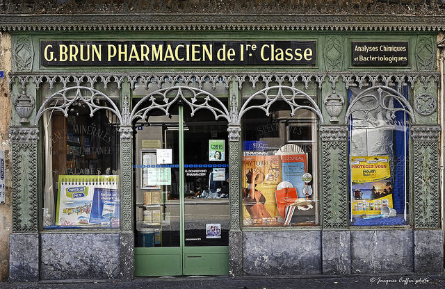 Pharmacie-Jacques Caffin(CC BY-NC-ND 2.0)